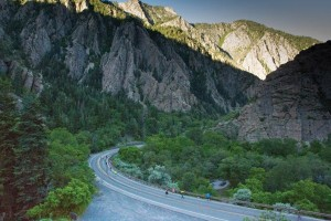 Big Cottonwood Canyon half marathon runners