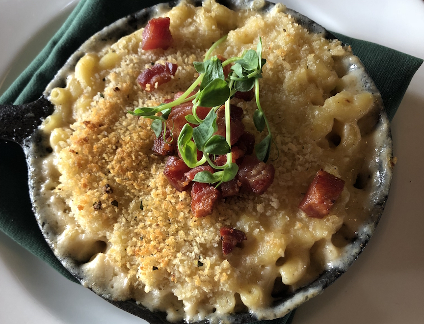 Lookout Cabin mac and cheese dining at Utah Ski resorts