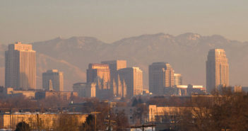 City skyline of Salt Lake City during pollution inversion