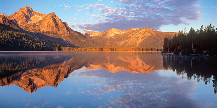 Sawtooth National Forest lake and mountains photo