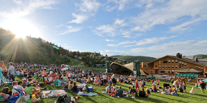 a crowd watching the deer valley music festival